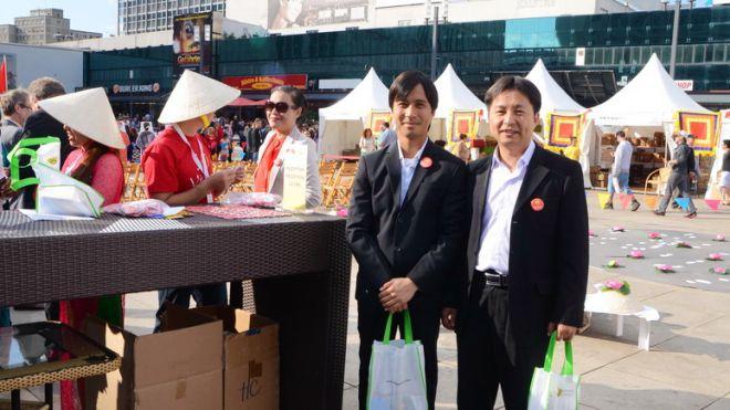 """Vorstandsbesuch des VDB bei der Messe """"Handmade in Vietnam""""©VDB"""