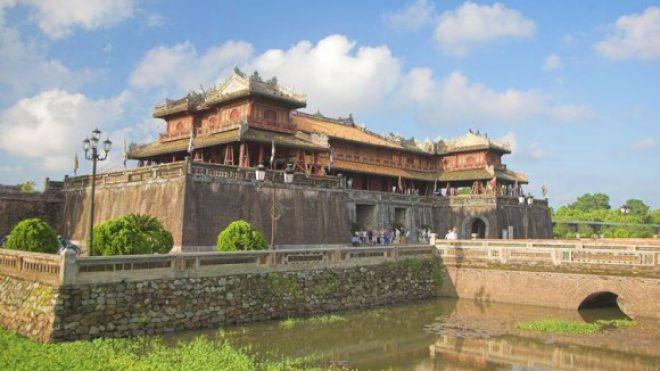 Die Kaiserstadt Hue ist eines der fünf Unesco Weltkulturerbe in Vietnam.