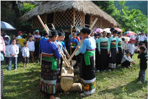 Foto: ein eigenes Fest der Muong
